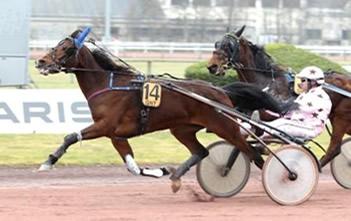 Singalo winning Prix de Cornulier